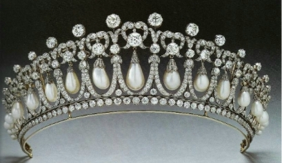 Cambridge Lovers Knot Tiara, made for Queen marry