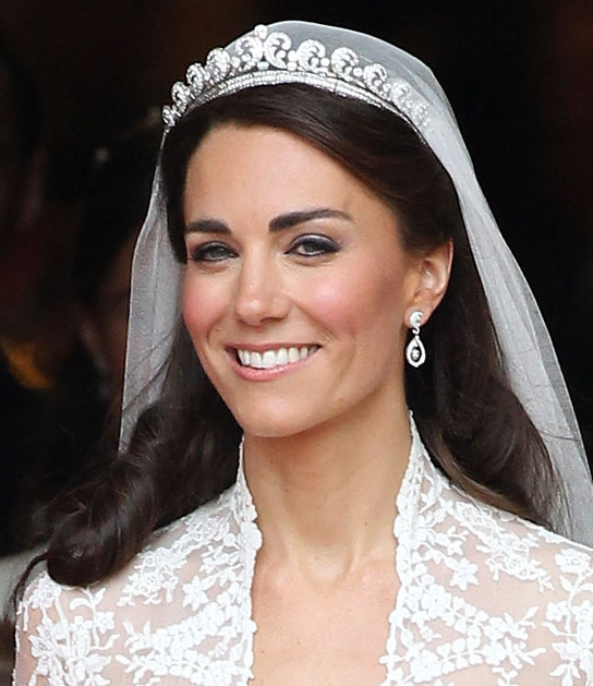 Jewelry for Kate blondes makeup Middleton Wedding natural look