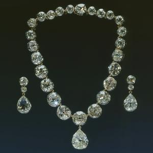 Queen Victoria diamond necklace