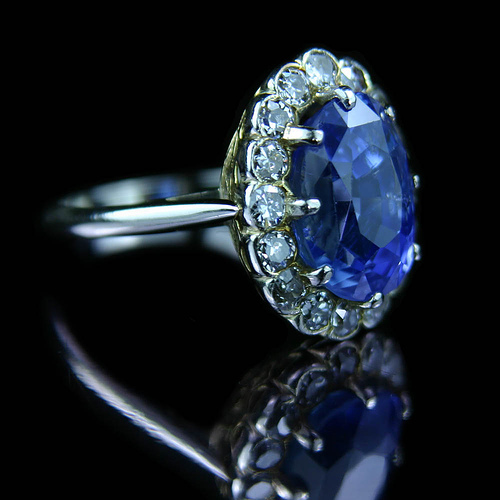 Sapphire with brilliant cut diamond ring