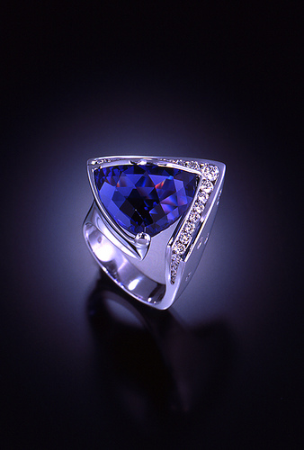 Tanzanite Platinum Ring Image Courtesy: Jewelry Muse