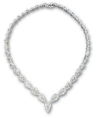 Pear Shaped diamond's Necklace