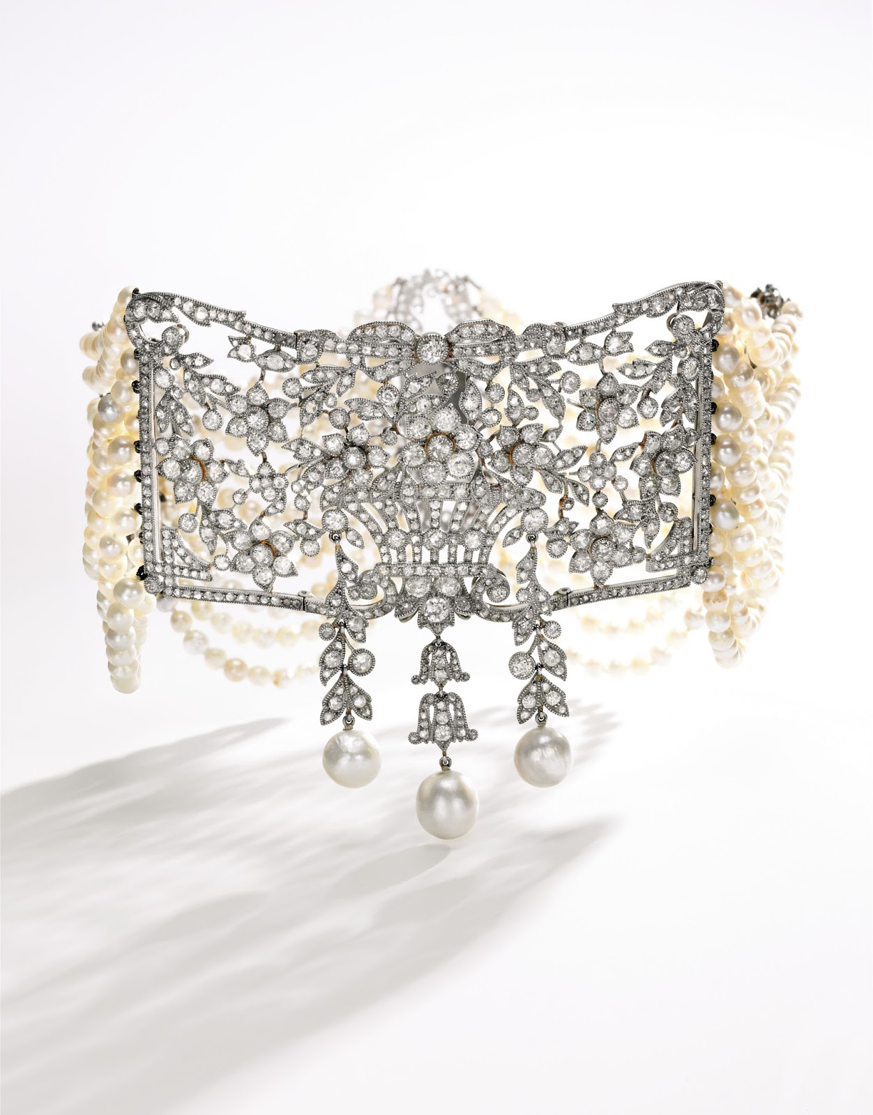 Lot 449 - Pearl and diamond choker, circa 1900