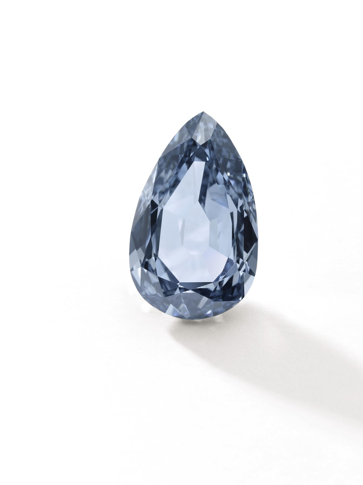Lot 494 - Fancy Vivid Blue Diamond - 7.32 carats