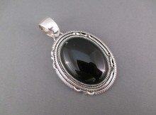 PE7655-Sterling-Silver-Onyx-Pendant-by-Native-American-Navajo-jewelry-artist-Artie-Yellowhorse-photo-5