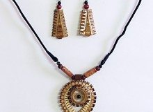 divine-eye-off-white-and-maroon-bead-necklace-with-JX78_l