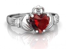 garnet-claddagh-ring-2372r-white_gold-top