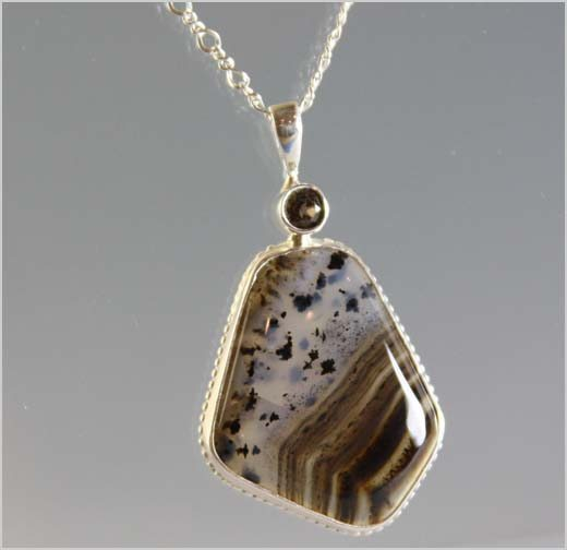nl-0427-montana-agate-necklace